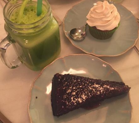 Cake au chocolat, muffin spécial sans gluten et jus détox à Celiocioso, Madrid