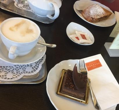 Cake au chocolat sans gluten et sans lactose et Appelstrüdel à Oberlaa, Vienne